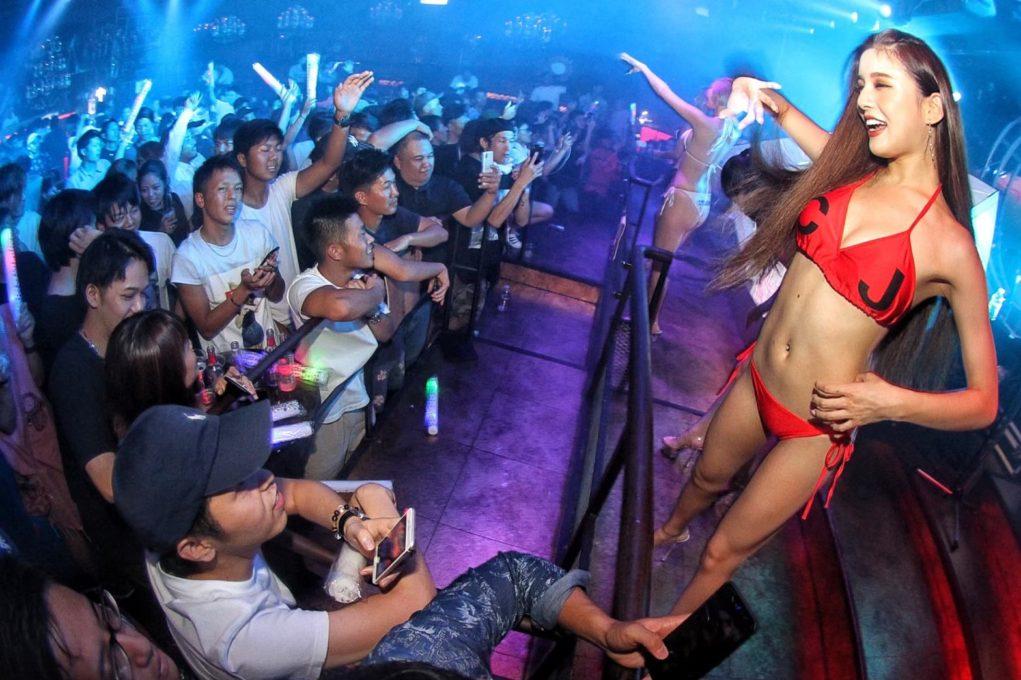 ダンサー募集 日給5万以上も可能!?|沖縄ナンバーワンclub epikaエピカ